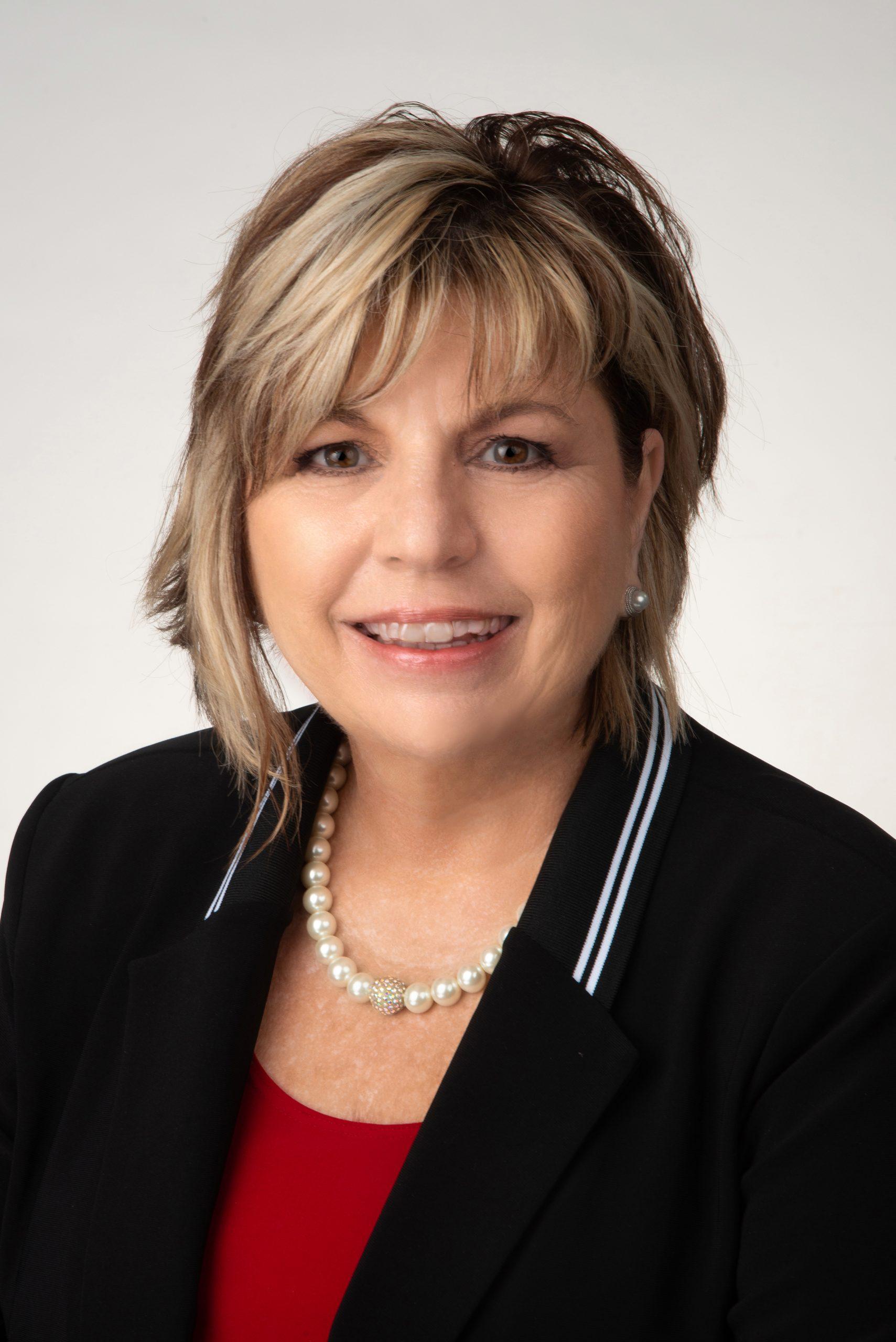 Linda Knapp
